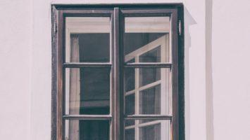 Vyberáme okná Plast, drevo alebo hliník