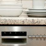 Umývačka riadu zaberie miesto, no ušetrí čas a peniaze